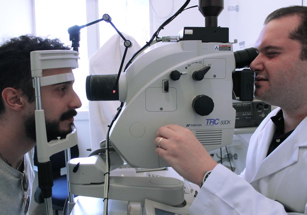 Exame de Retina
